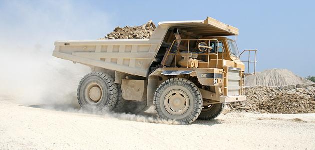 Camion de carrieres granulats, roches, sables Aube